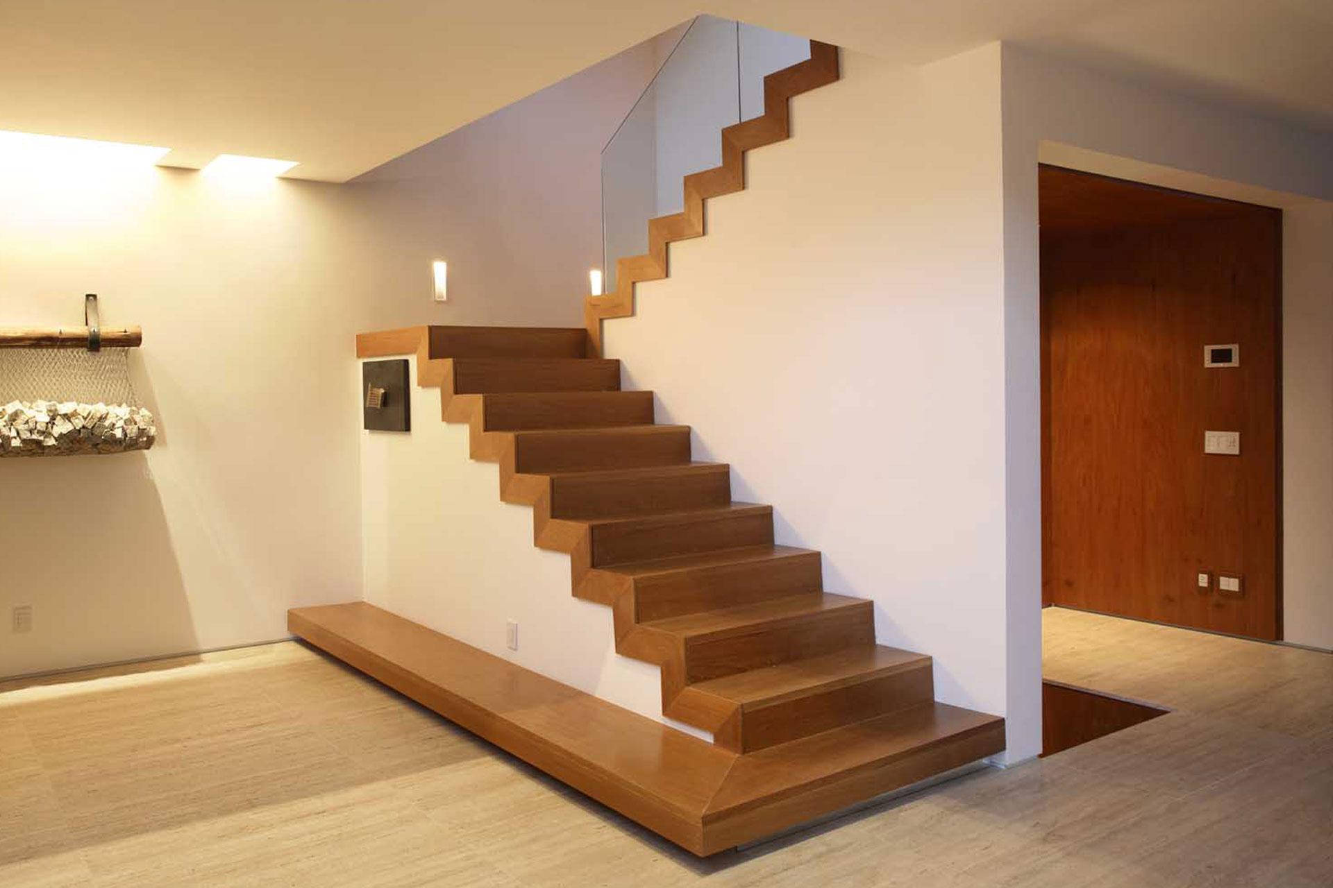 Scaletta In Legno Per Soppalco : Mbm scale in legno a pesaro gradini torelli e soglie